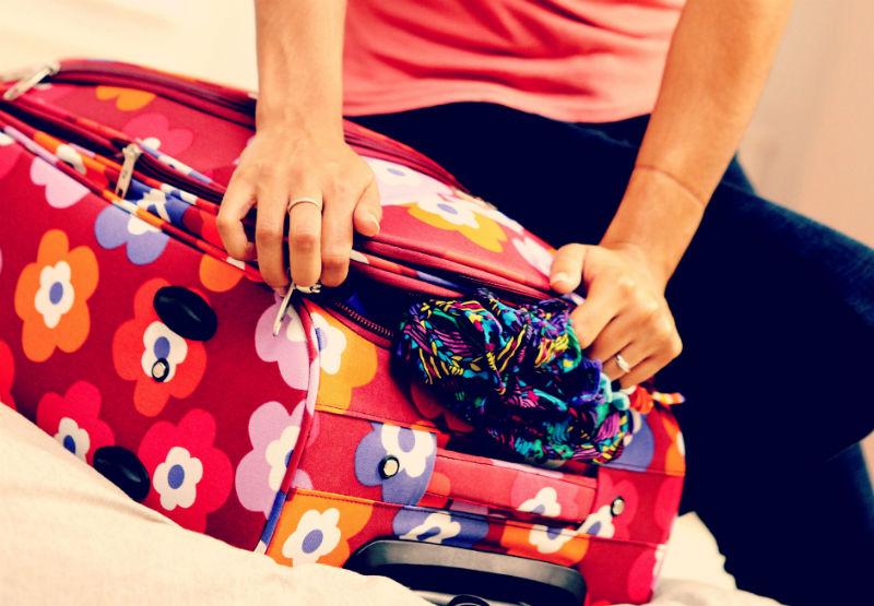 3 bonnes raisons d 39 acheter une valise color e pour voyager. Black Bedroom Furniture Sets. Home Design Ideas